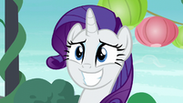 Rarity grinning wide while hearing Maud's story S6E3