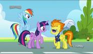S06E24 Spitfire wita gości