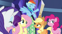 Twilight's friends happy with their contributions to the castle S5E03