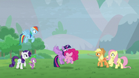 Twilight catches Pinkie Pie as she falls S9E25