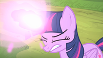 Twilight doing her magic S4E07