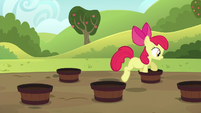 Apple Bloom doing the barrel weave S5E17