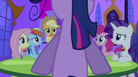 Applejack talking to Twilight S2E25