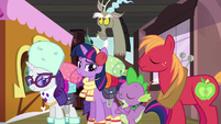 Big Mac nodding; Discord rolling his eyes S6E17