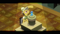 Daring Do seeing if there are any strings S2E16