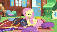 Fluttershy packing a saddlebag S6E17
