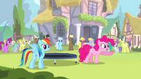 Pinkie Pie pointing S4E12