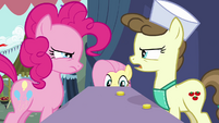 Pinkie Pie using her skills to trick the vendor S2E19
