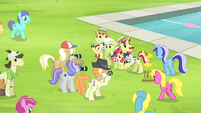 Ponies gathering around Bloom, Granny, Flim, and Flam S4E20
