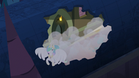 Princess Celestia escaping through roof S4E2
