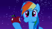 Rainbow Dash eating S1E24