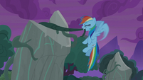Rainbow Dash pulling on old vines S7E25