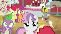 Spike, Discord, and CMC shocked; Sweetie Belle crying S8E10