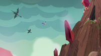 Spike and Ember gaining altitude S6E5