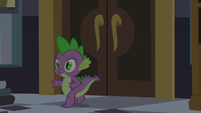 Spike tiptoeing toward Twilight's bed S5E10