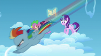 Starlight sees young Rainbow racing S5E26