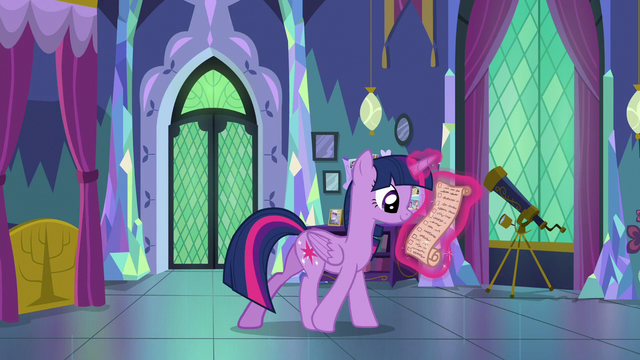 File:Twilight Sparkle looking over her notes S7E1.png