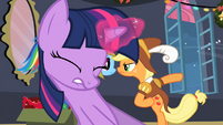 Twilight pulling Fluttershy out of box S2E11