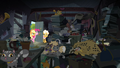 A lot of cats and stuffs in Goldie's house S4E09.png