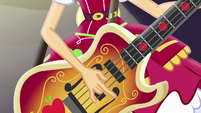 Applejack strumming her bass guitar EG4