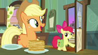 Applejack welcomes Apple Bloom back home S7E13
