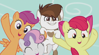 CMC tells students to vote for Pipsqueak; Pip smiles S5E18