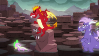 Garble sits on the --rock-- S6E5