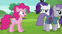Maud Pie walking away from Pinkie S6E3