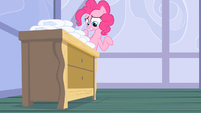 Pinkie Pie stand still S2E13