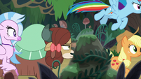 Ponies and students continue through woods S8E9