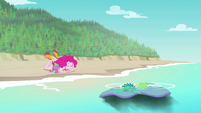 Rarity's beach blanket sinks into the water EGFF