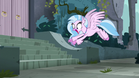 Silverstream excitedly discovers stairs S8E2