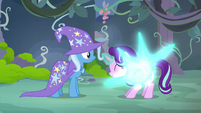 Starlight Glimmer teleporting away from Trixie S7E17