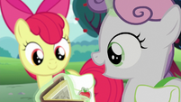 Sweetie Belle --these old carts look so cool!-- S6E14