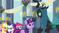 Twilight and friends looking at Chrysalis S2E26