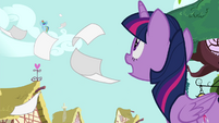 Twilight calling Rainbow's name S4E21