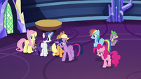 Twilight sadly walks past her friends S9E26