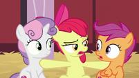 Apple Bloom interrupting her friends S8E10