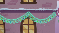 Decorations hung with Snowfall's magic S6E8