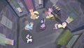 Mane 6 sit in the house S5E02.png