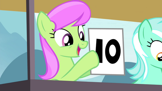 File:Merry May giving a 10 S4E20.png