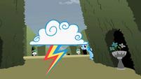 Rainbow Dash sees a cloud S2E01