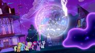 S05E13 Księżniczka Luna z trudem utrzymuje sen