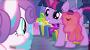 S07E03 Twilight pokazuje Flurry misia
