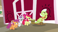 """Scootaloo """"we really need to find Big Mac"""" S9E23"""