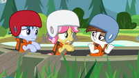 Skeedaddle, Kettle Corn, and Pip looking unsure S7E21