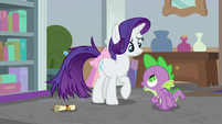Spike thanks Rarity for the help S8E25
