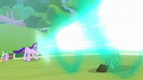 Starlight blasting Discord with magic S8E15