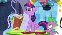 Twilight discards her sunglasses S5E12