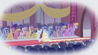 201px-Rarity wedding S01E03